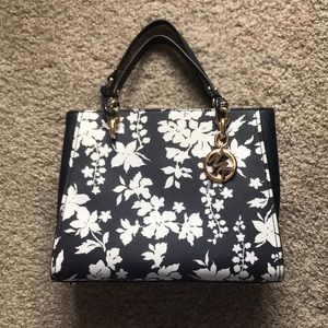 Michael Kors Bags - Michael Kors navy and white floral purse